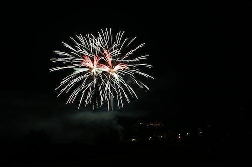 Gratis stockfoto met belicht, donker, explosie, feest