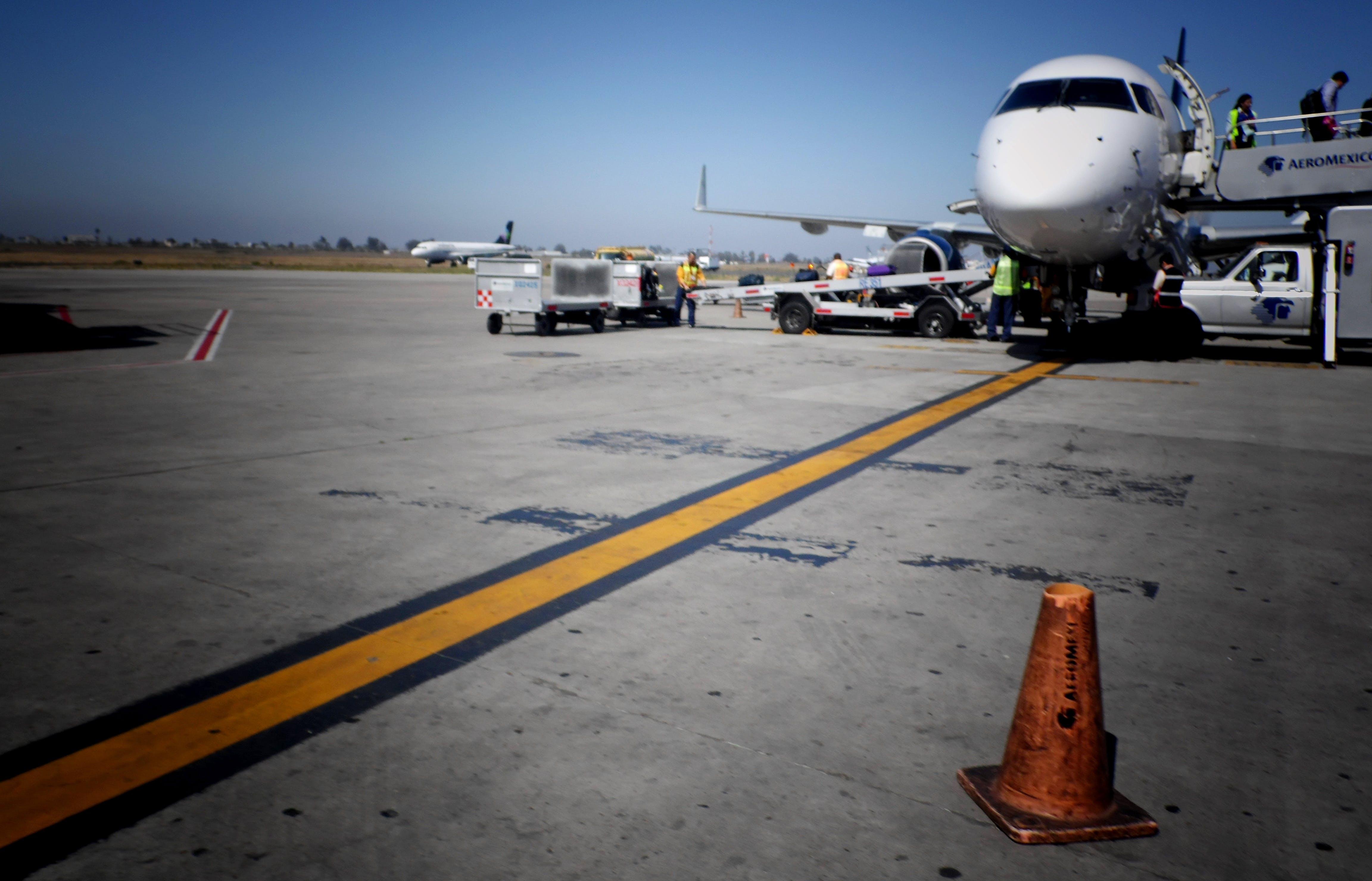 Free stock photo of Aeropuerto, avion