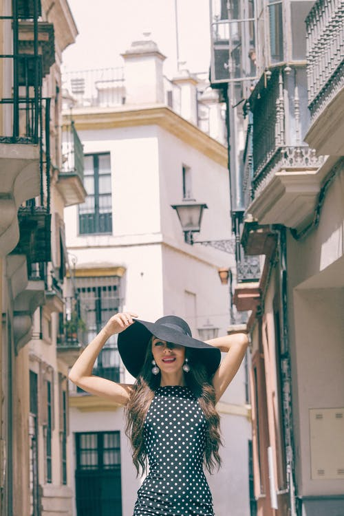 Základová fotografie zdarma na téma balkon, budova, černá