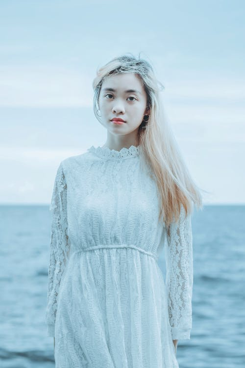 Ilmainen kuvapankkikuva tunnisteilla aasialainen nainen, blondi, charmikas
