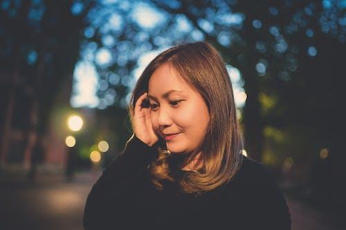 Безкоштовне стокове фото на тему «азіатська жінка, боке, брюнетка»
