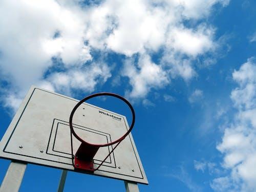 Photos gratuites de bague, basket-ball, ciel bleu, contre-plongée