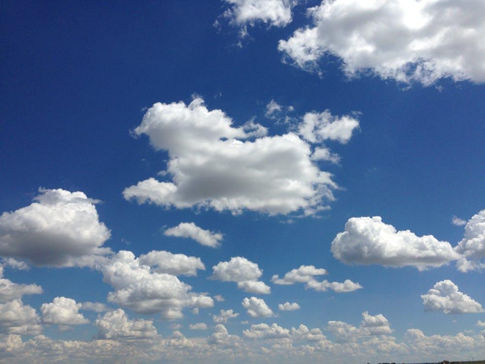 雲 青空の無料の写真素材