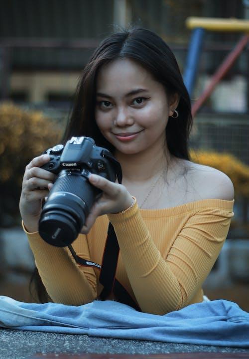 Foto profissional grátis de 50 mm, 50mm, câmera dslr