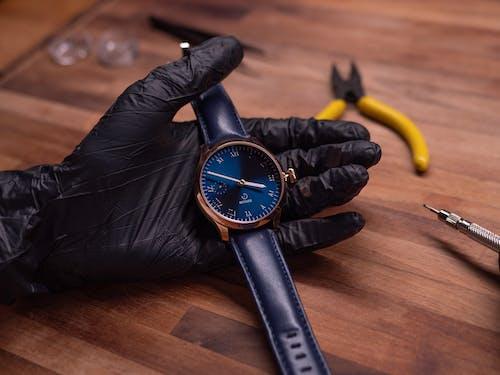 Základová fotografie zdarma na téma analogové hodiny, čas, dřevo