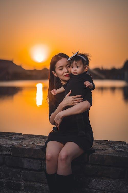 Kostenloses Stock Foto zu abend, asiatische frau, bezaubernd, beziehung