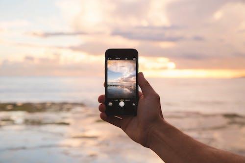 Immagine gratuita di acqua, alba, cielo, connessione