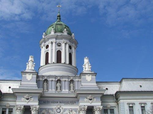 Photos gratuites de anges, cathédrale, catholique, ciel bleu