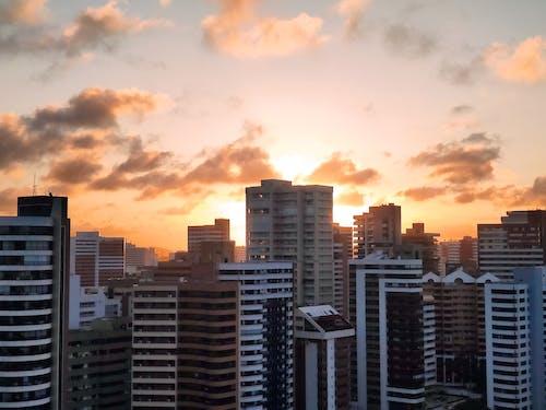 Δωρεάν στοκ φωτογραφιών με απόγευμα, αρχιτεκτονική, αυγή, γραμμή ορίζοντα