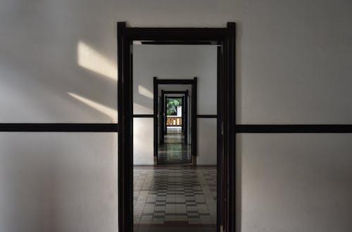 Foto profissional grátis de arquitetura, entrada, entradas, porta de entrada