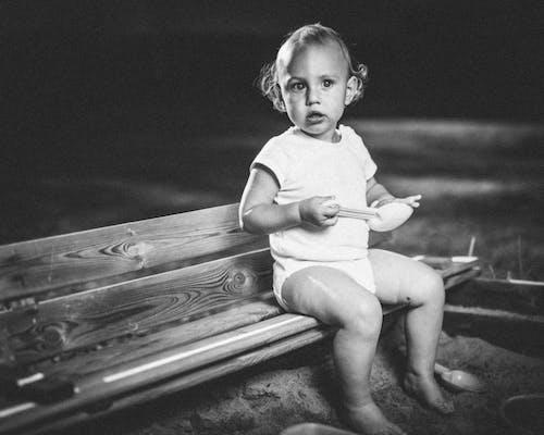 Ingyenes stockfotó baba, fekete-fehér, gyermek, gyermekkor témában