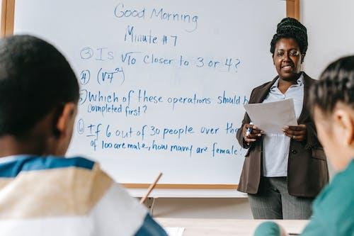 Ingyenes stockfotó afro-amerikai nő, akadémiai, alapvető, beltéri témában