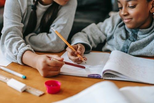 Ernte Kinder, Die Zusammen Hausaufgaben Machen