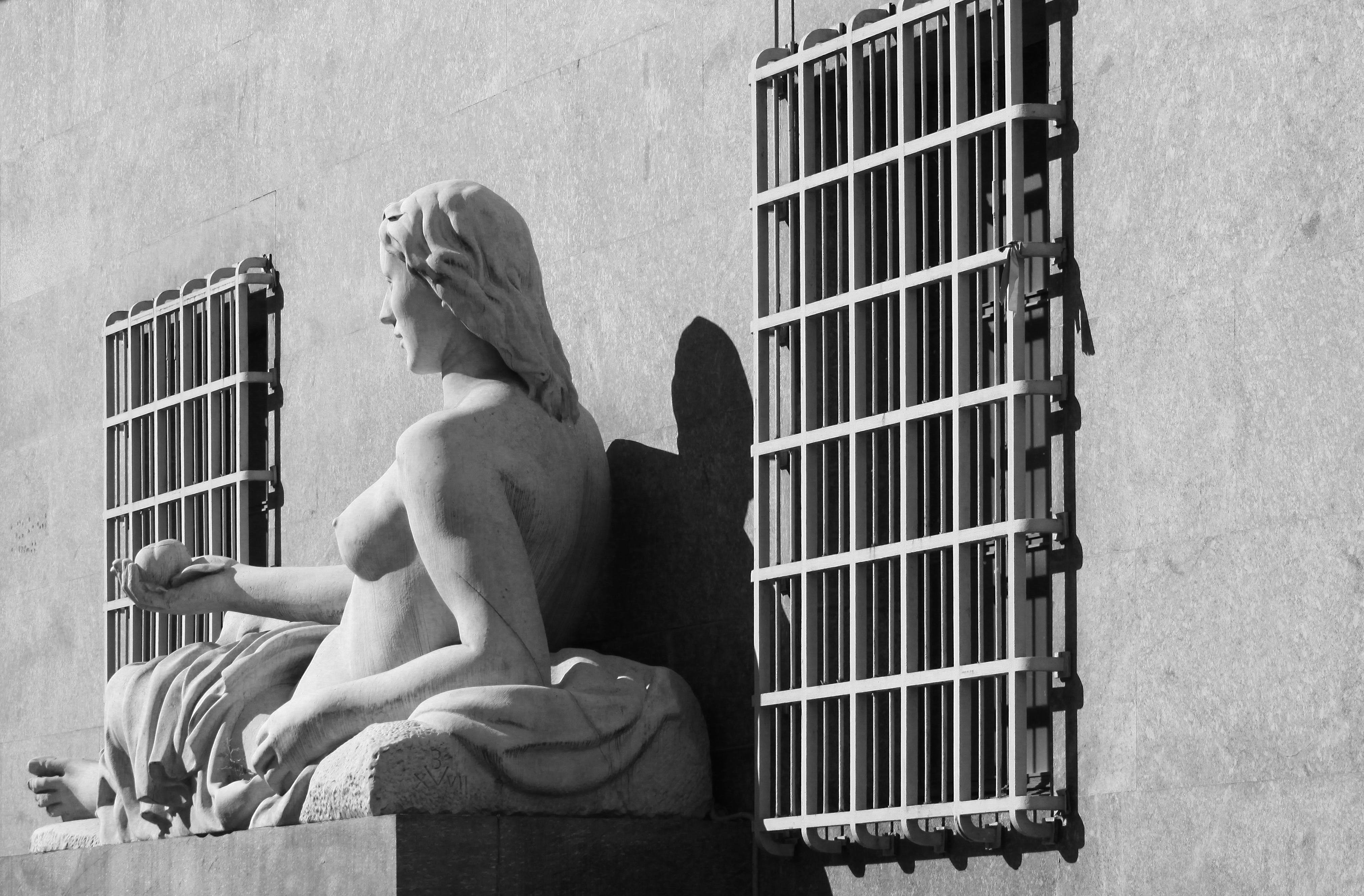 Free stock photo of black and white, dora, fountain, frame