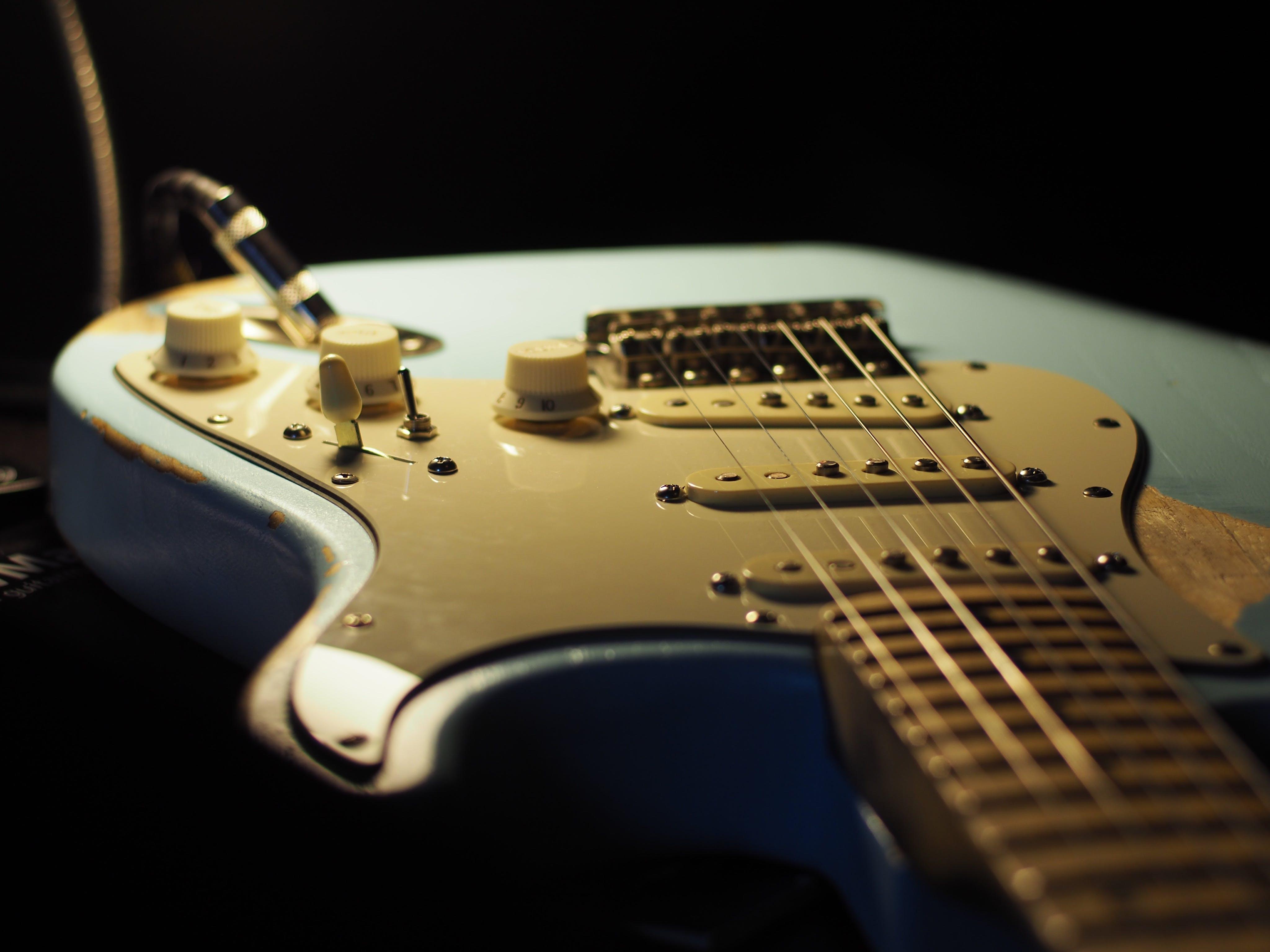 amp, blue, electric guitar