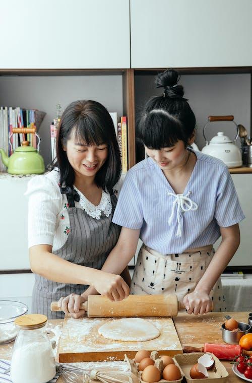 Gratis stockfoto met artikel, assistent, Aziatisch, Aziatische vrouwen