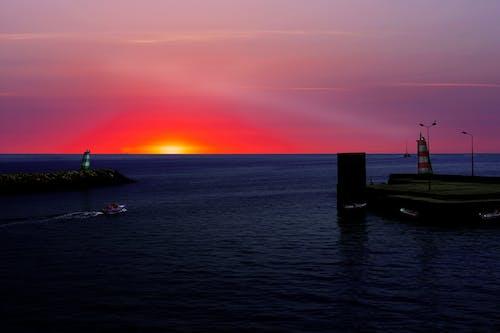 Foto profissional grátis de barco, farol, mar, oceano