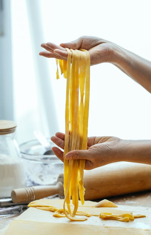Crop cook with raw pasta