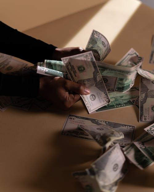Бесплатное стоковое фото с банкноты, валюта, вертикальный