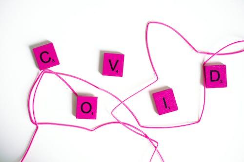 Gratis arkivbilde med alfabet, covid, flatlay
