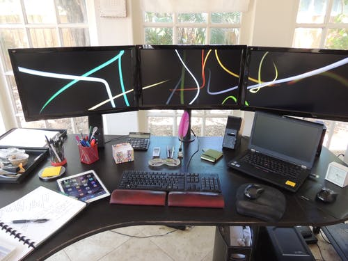 Ilmainen kuvapankkikuva tunnisteilla kirjoituspöytä, konttori, kotikonttori, kotitoimisto