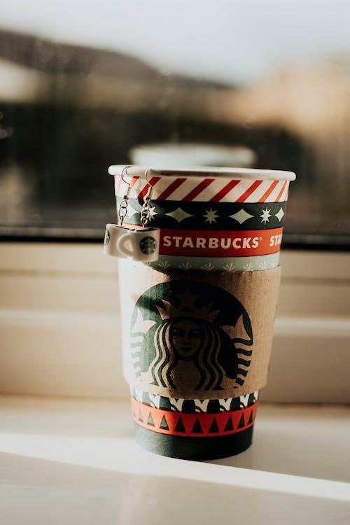 Kostenloses Stock Foto zu becher, cappuccino, container, dämmerung