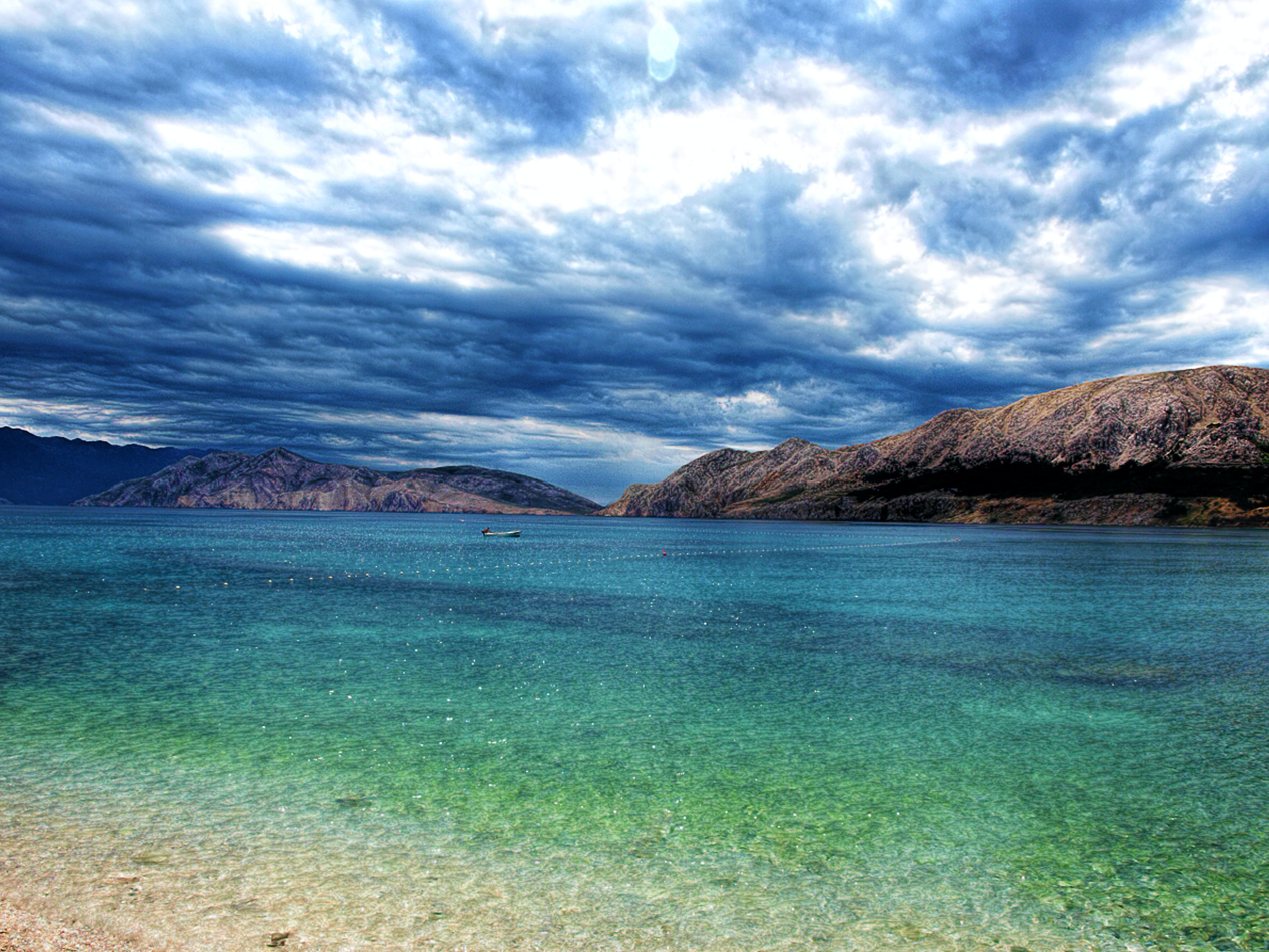 Kostenloses Stock Foto zu am meer, berge, boot, bucht