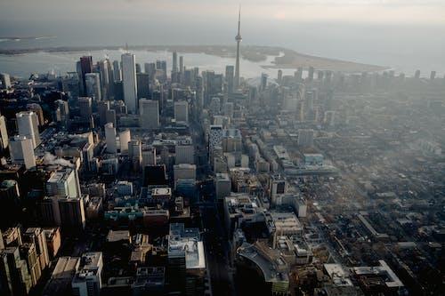 Fotos de stock gratuitas de aéreo, arquitectura, calle, céntrico