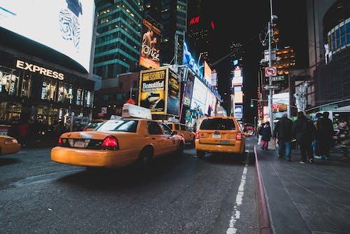 ダウンタウン, タクシー, トラフィックの無料の写真素材