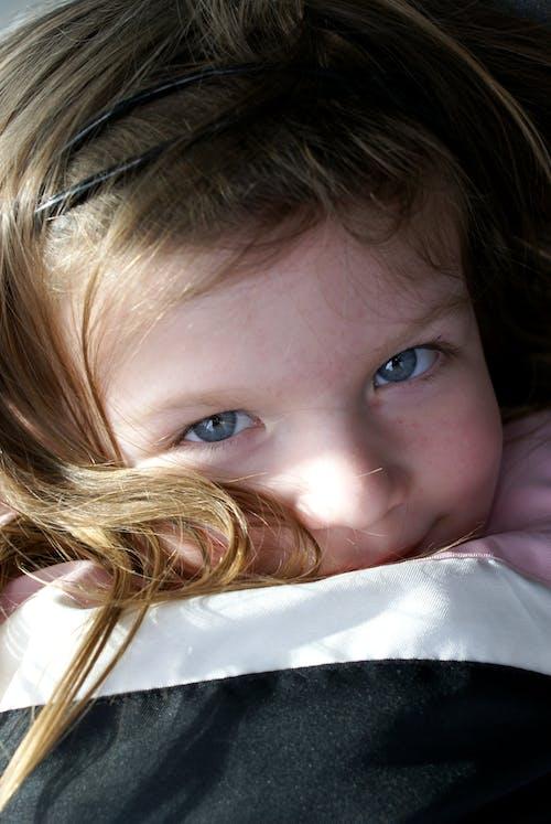 미소 짓는, 소녀, 아이, 초상화의 무료 스톡 사진