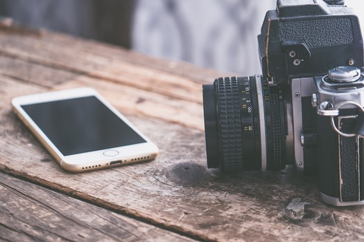 Free stock photo of camera, iphone, smartphone, desk