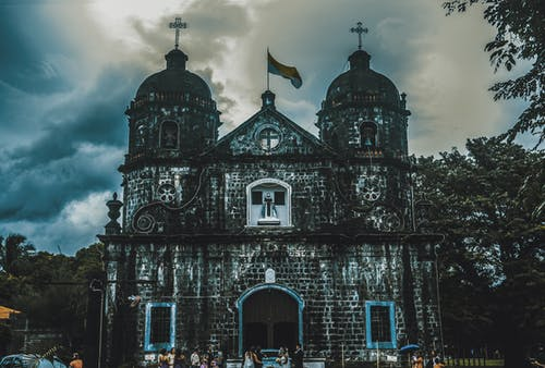 Fotobanka sbezplatnými fotkami na tému budova kostola, kostol, mrak, nálada