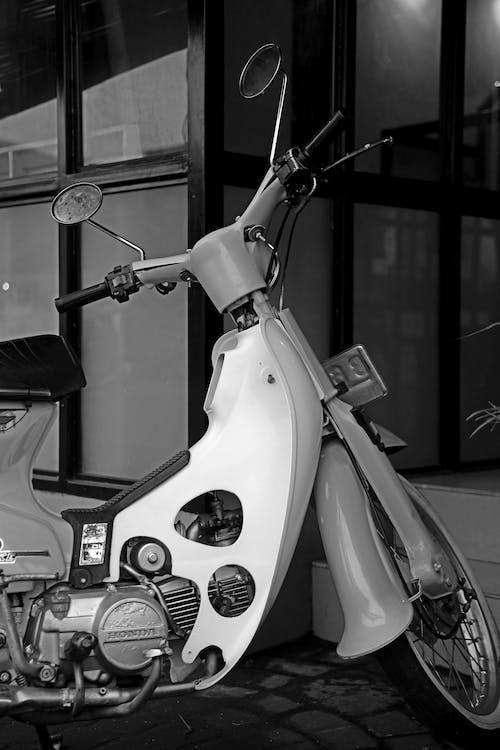 Foto d'estoc gratuïta de a l'aire lliure, bici, bicicleta, carrer