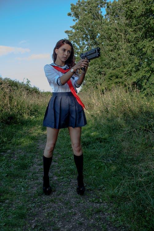 คลังภาพถ่ายฟรี ของ คอสเพลย์, ชุดนักเรียนหญิง, ปืน
