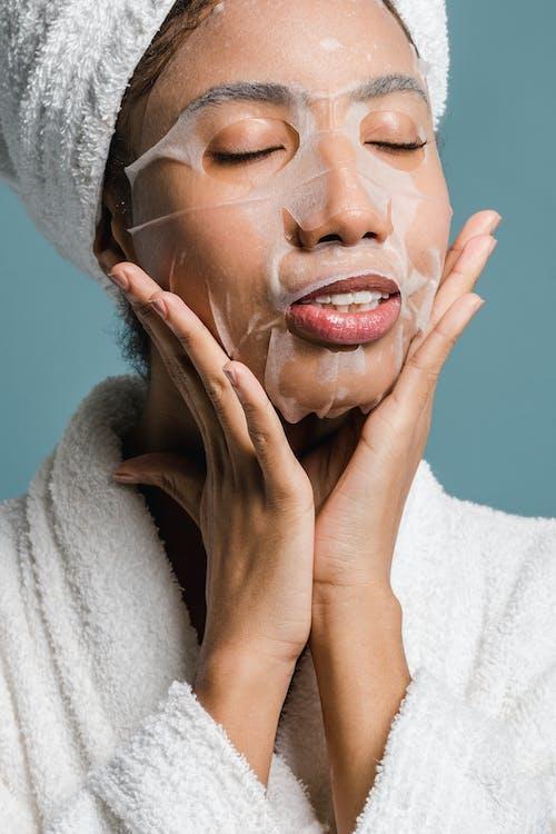 Gratis stockfoto met aanraken gezicht, Afro-Amerikaanse vrouw, anti-veroudering