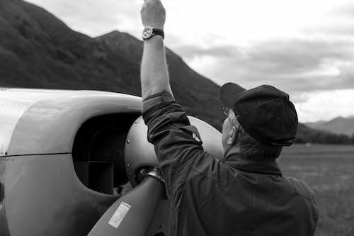 Kostnadsfri bild av arbetssätt, flygplan, mekanik, mekaniker