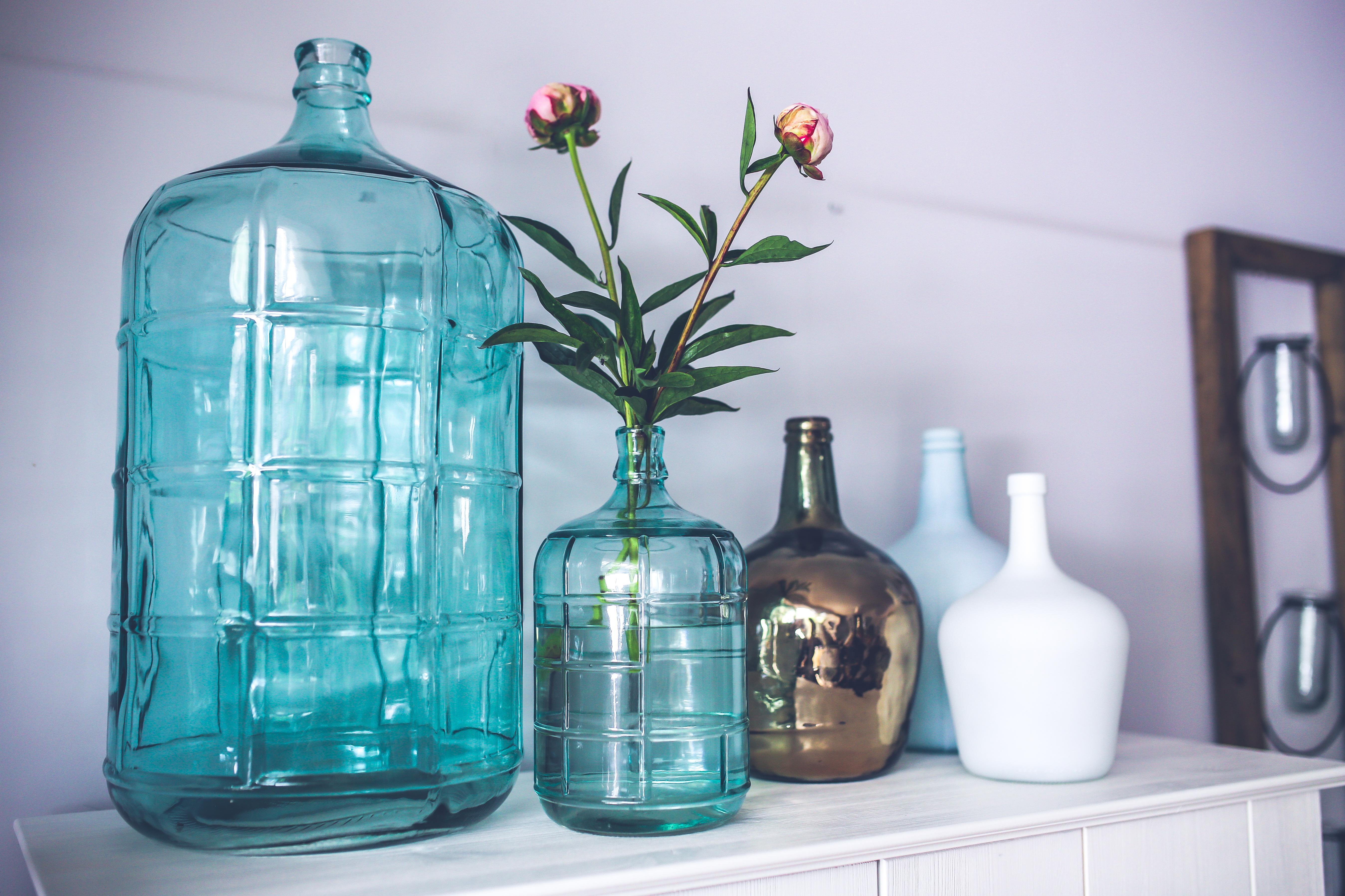 blue-glass-flower-decoration.jpg