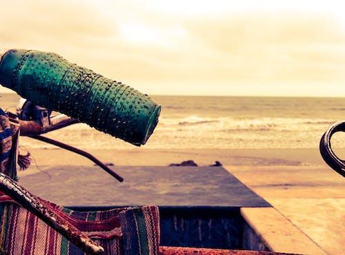 Бесплатное стоковое фото с велосипед, пляж, ретро