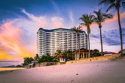 Безкоштовне стокове фото на тему «берег, берег моря, вода, готель»