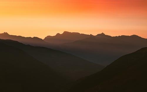 Immagine gratuita di alba, europa, montagne