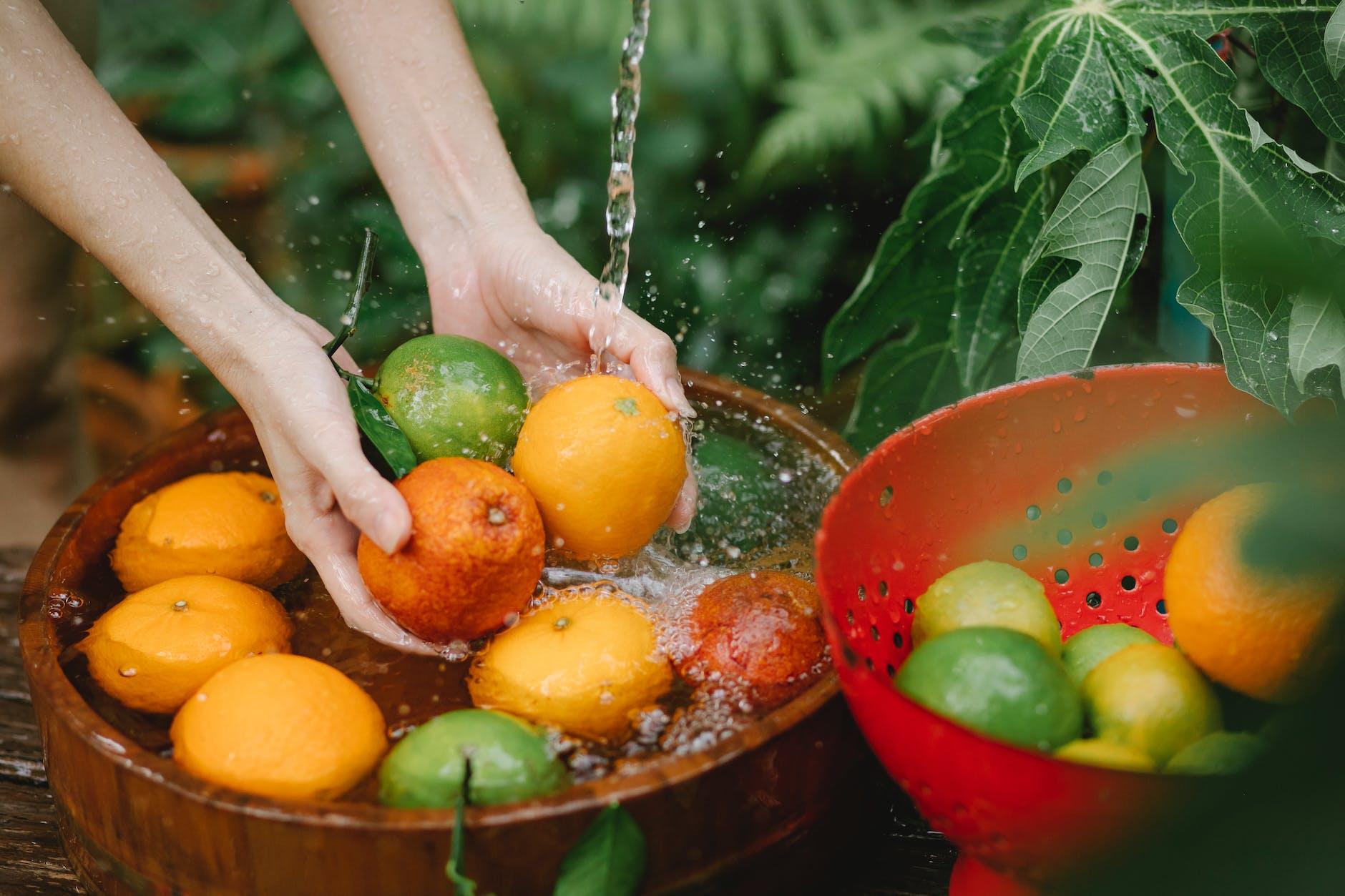 tips mencuci sayur dan buah dibilas