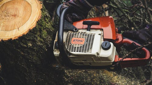 Red and White Stihl Recoil Engine