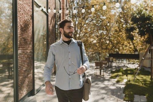 Foto d'estoc gratuïta de a l'aire lliure, barba, bombetes de corda