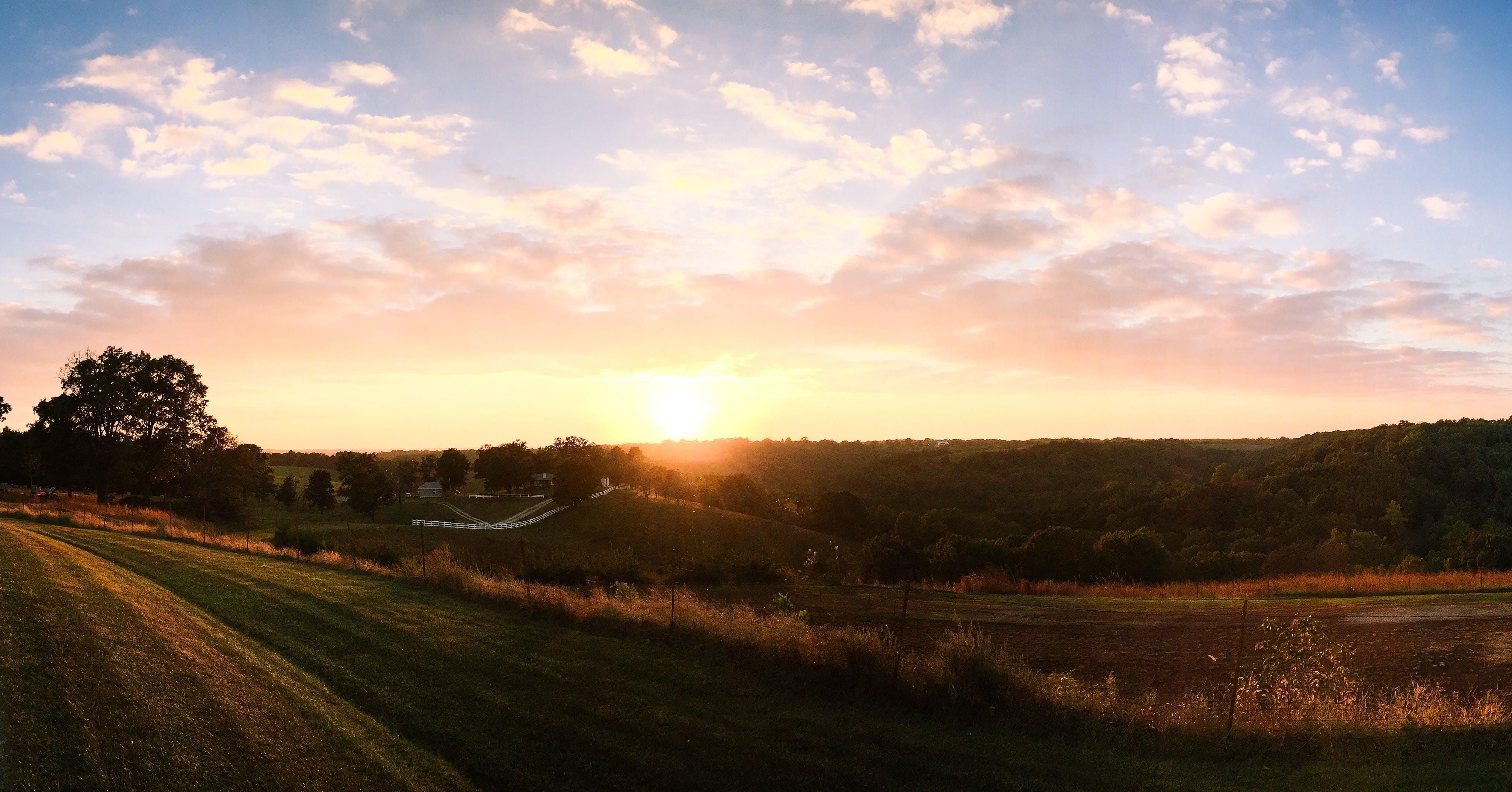 Ingyenes stockfotó farm, mezők, Napkelte, naplemente témában