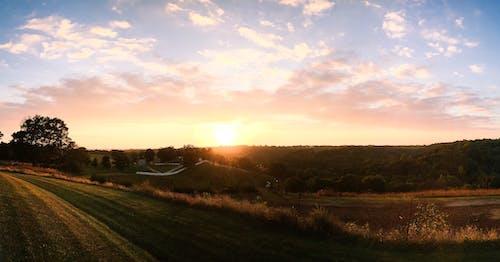 ファーム, 日の出, 日没, 牧草地の無料の写真素材