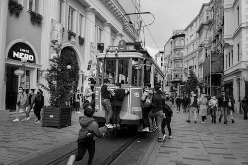 Бесплатное стоковое фото с вагон канатной дороги, Взрослый, город