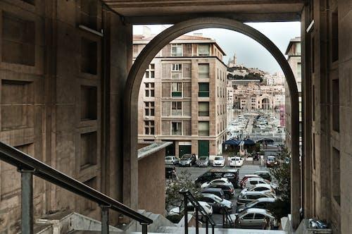 Fotos de stock gratuitas de arco, calle de la ciudad, camino estrecho, carretera