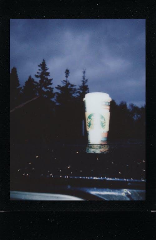 Kostenloses Stock Foto zu draußen, dunkel, fenster, glas