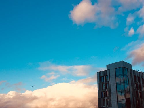 Free stock photo of aesthetic, building, cloudy skies, cloudy sky