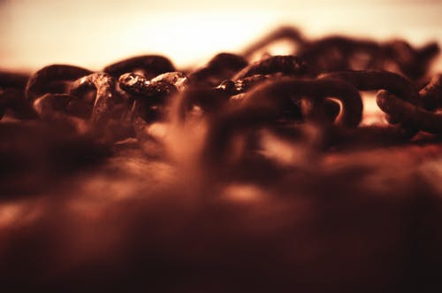 Selective-focus Photography of Brown Chains